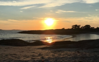 image-of-almost-sunset-on-beach-benefits-of-gig-economy